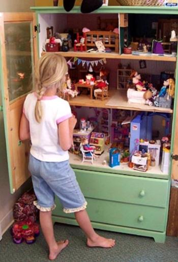 casa delle bambole armadio