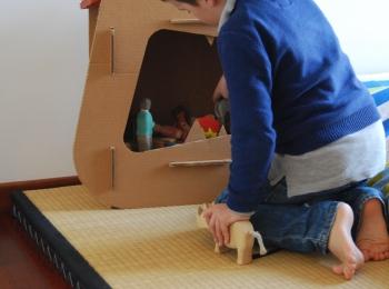 Comodino di cartone per bambini