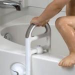 Una maniglia per la vasca